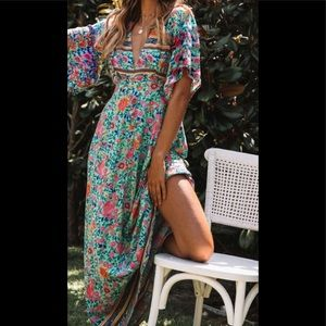 Beautiful floral maxi dress!